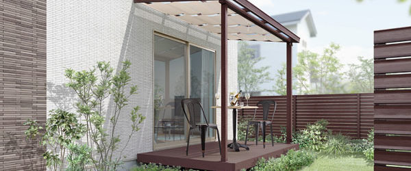 ガーデンスペースなどを自然の温もりで癒される空間にします。 中でもウッドデッキはアウトドアのリビングスペースとして、家族でご利用いただけます。 木は、美しさと香り、湿度を調節する性質、紫外線を吸収して反射しにくい性質など優れた特性を持っています。そういった意味でもテラスやお庭などのスペースにウッドデッキは最適です。