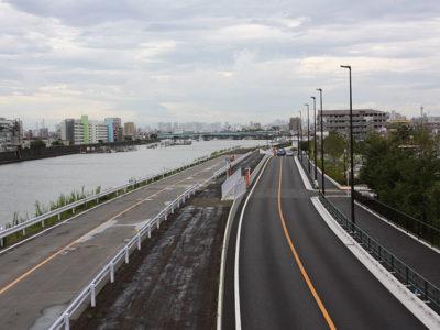 旧江戸川(江戸川二丁目地区)築堤(その2)及び築堤に伴う街路築造工事 令和元年8月竣工